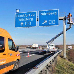 Sonderprüfung Verkehrszeichenbrücke